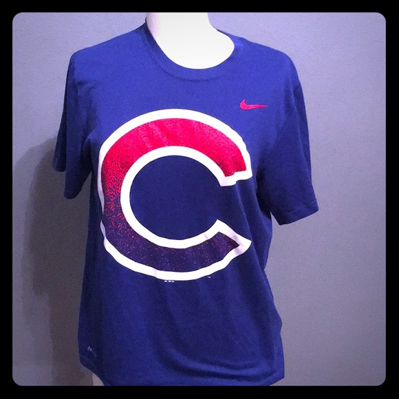 new concept 23436 3b580 Nike dri-fit Chicago Cubs shirt